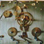 Uhrwerk einer Pendule (Zifferblattseite) 19. Jahrhundert